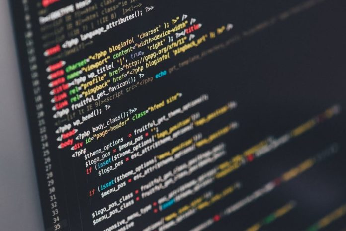 Kod Yazmayı Öğrenebileceğiniz En İyi Web Siteler Ve Uygulamalar